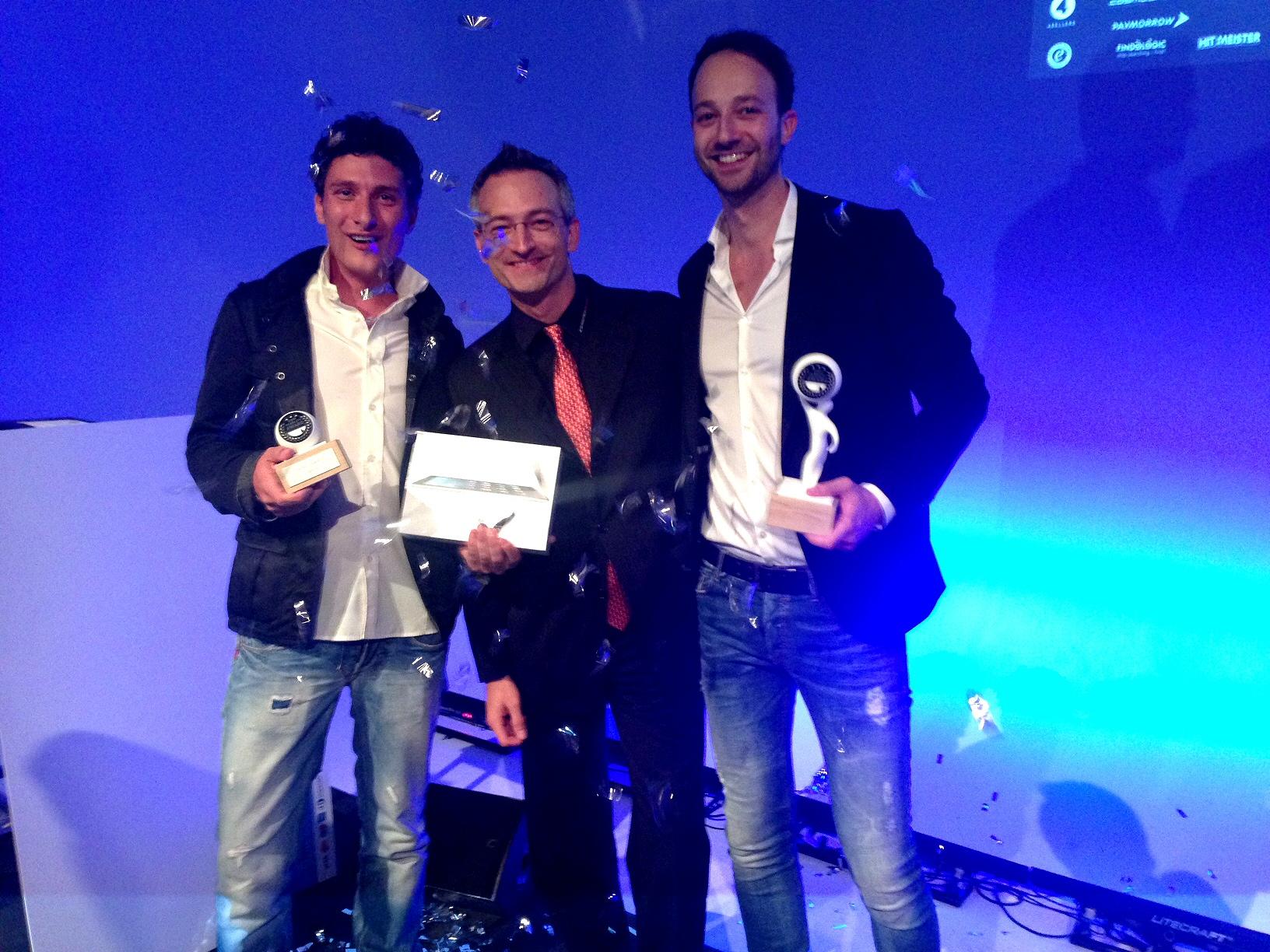 Der Hauptgewinner mit dem iPad von CosmoShop Shopsoftware